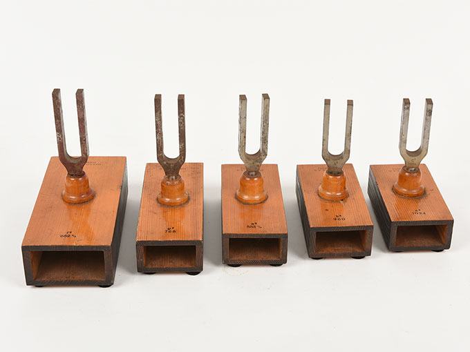 音叉(完全品)Stimmgabel auf Resonator kasten für die Tonleiten c-h d-c5