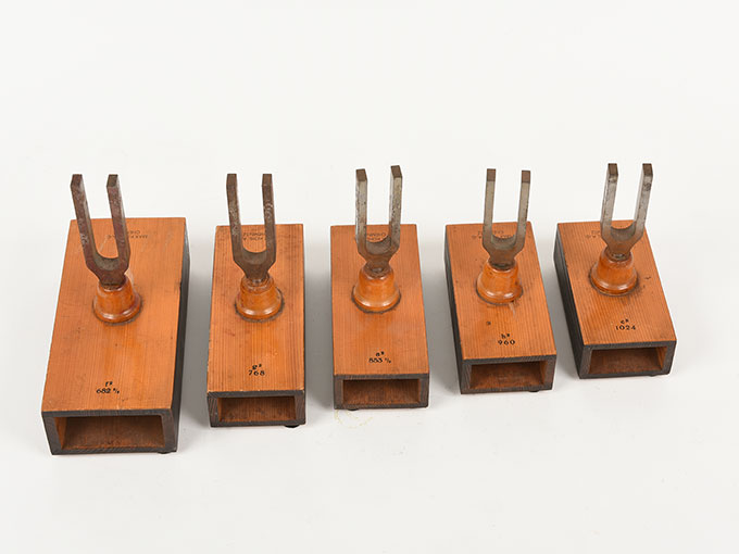 音叉(完全品)Stimmgabel auf Resonator kasten für die Tonleiten c-h d-c6