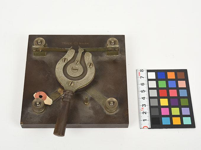 バーチン氏コンミュテーター(電流方向転換器)2