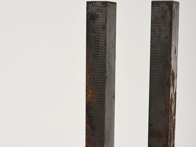 錘付き音叉重錘付音叉11