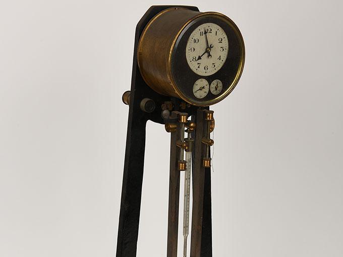 ニオーデの音叉時計Stimmgabeluhr nach Niaudetニオーデ氏音叉時計
