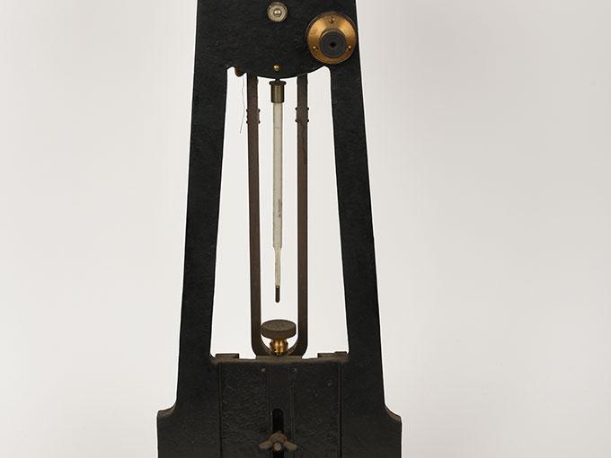 ニオーデの音叉時計Stimmgabeluhr nach Niaudetニオーデ氏音叉時計5