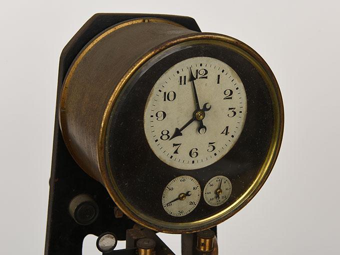 ニオーデの音叉時計Stimmgabeluhr nach Niaudetニオーデ氏音叉時計6
