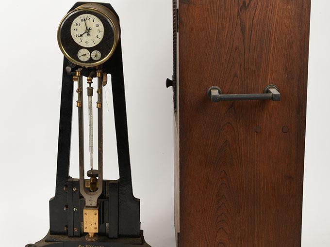 ニオーデの音叉時計Stimmgabeluhr nach Niaudetニオーデ氏音叉時計14