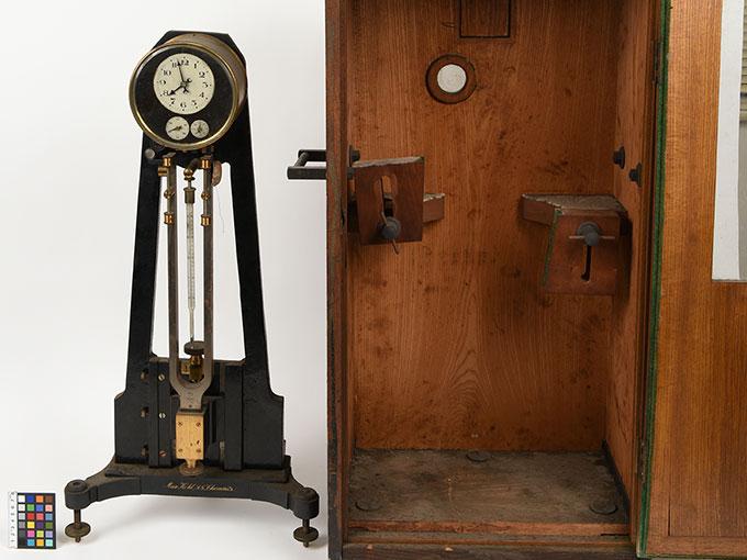 ニオーデの音叉時計Stimmgabeluhr nach Niaudetニオーデ氏音叉時計17