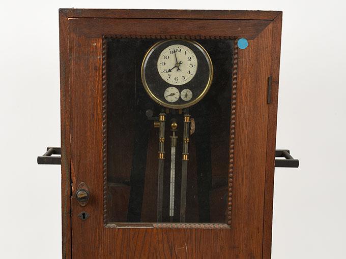 ニオーデの音叉時計Stimmgabeluhr nach Niaudetニオーデ氏音叉時計20
