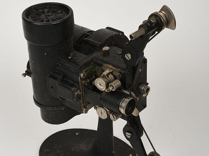 16mm映写機十六粍映写機9
