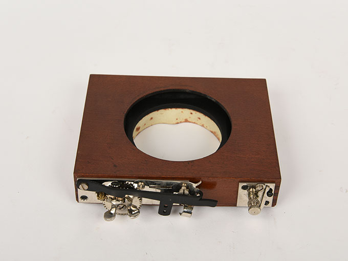 折りたたみ式カメラ12