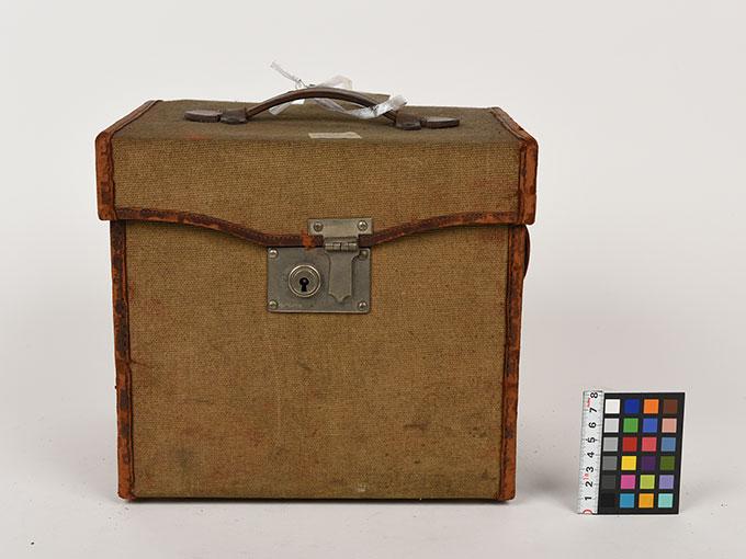 折りたたみ式カメラ21
